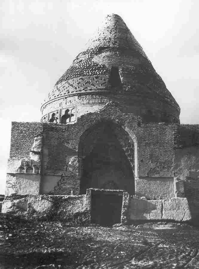 Damaged portal in 1928